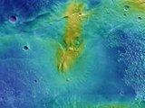 欧航局发布火星彩色地形图