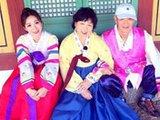 柳岩全家出游齐穿朝鲜服饰
