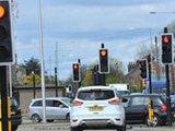 英国一小城路口共装42个红绿灯