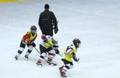 《时间故事 中国力量》之《13岁少年的2022奥运冰球梦》