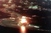 日本拥有核武器后会先报复谁?