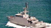 印尼海军迎总统视察 连射两发中国反舰导弹失败