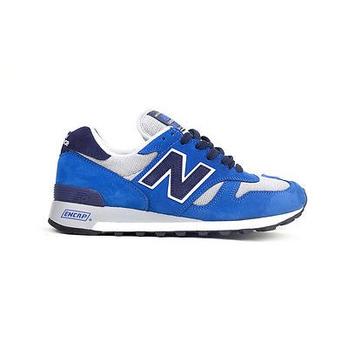 男士蓝色真皮简约运动鞋