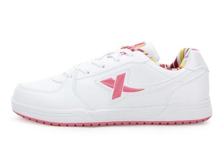特步 女板鞋 白色/红色