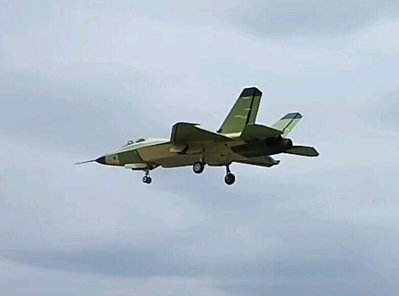 2.0版歼31再试飞:机身曝重大改进 - 一统江山 - 一统江山的博客