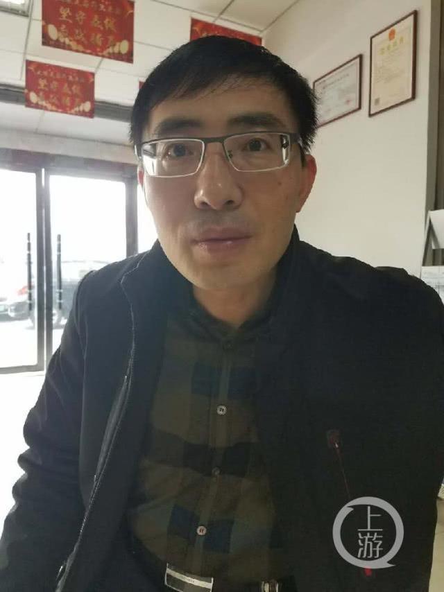 官员对抗黑老大遭其报复:祖坟被挖 不得不辞职