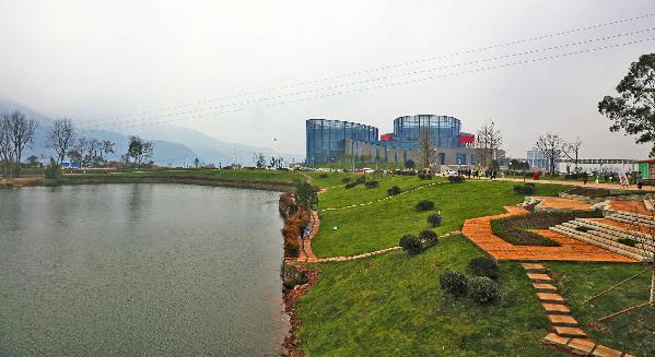 达州莲花湖风景秀丽成为中国新的旅游胜地