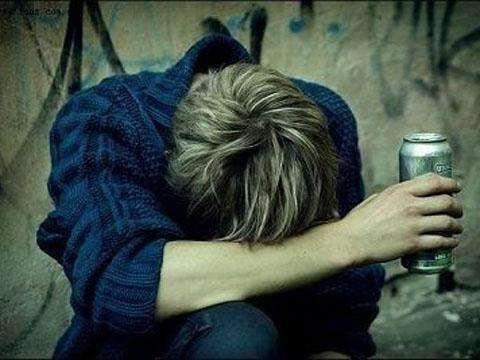 分手后真是陷入无比的失落感,紧接着是伤心落泪,好不容易遇到的爱情