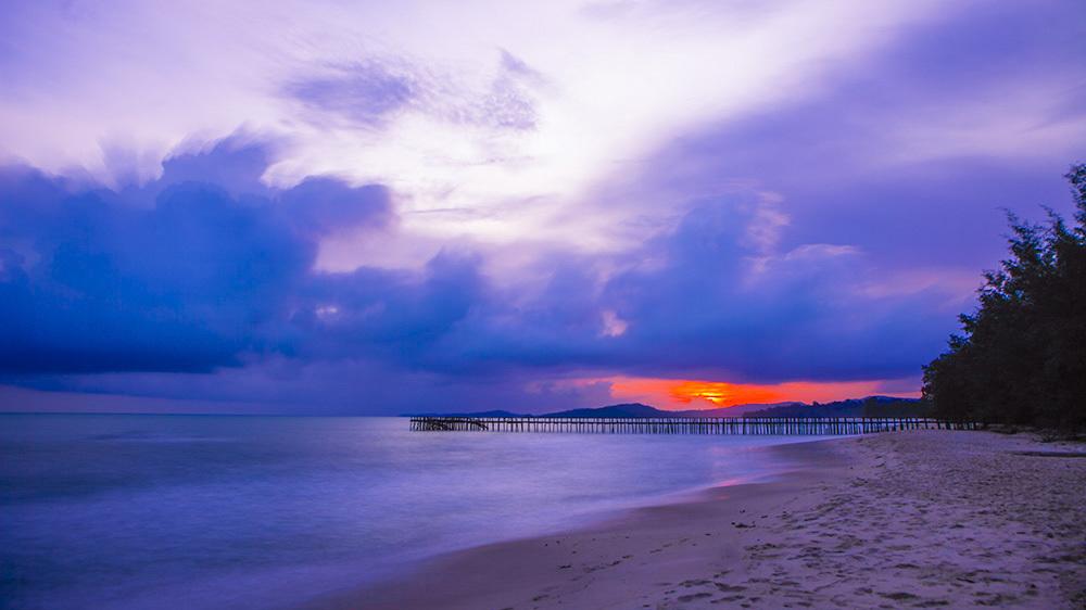波诡云谲的金银湾晚霞--请随着我的镜头走进真
