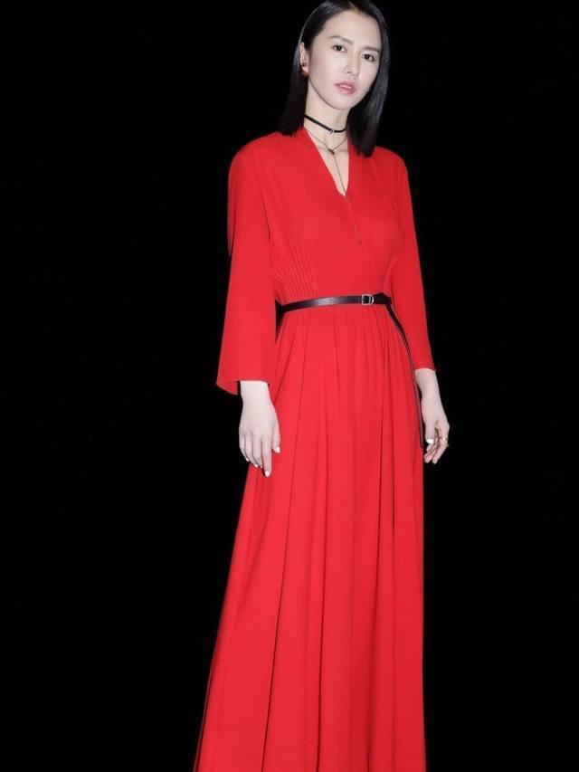春晚女星穿红裙谁美?江疏影第四,景甜第二,她第一最美!