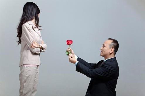 http://p8.qhimg.com/t012283bc3247867b95.jpg