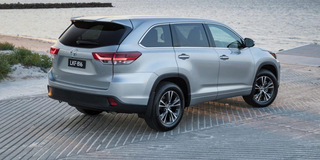 2017款丰田kluger售价(不含上路费) gx – 43550 澳元(比旧款增加