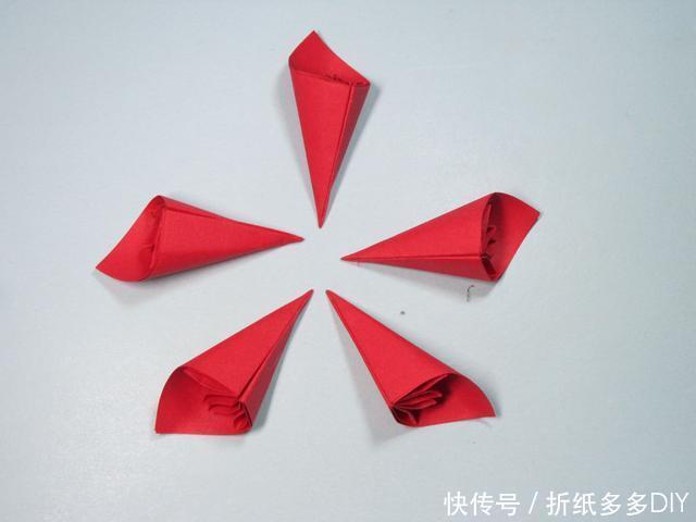 儿童手工折纸:简单的樱花折纸步骤图解