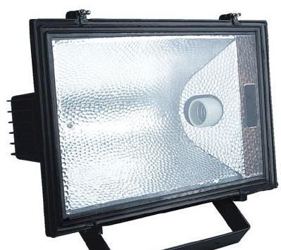 高压汞灯辐射的紫外线光谱加宽