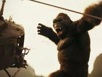 """这个""""金刚""""有点猛打完飞机还能打怪兽!"""