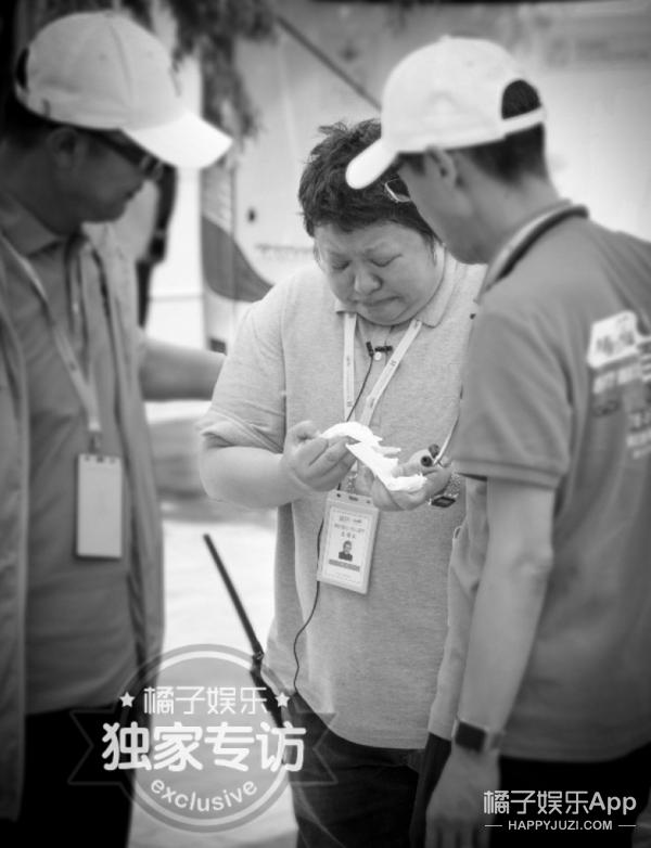 表情韩红去援宁:她不是图片,跟着流泪的普怎样找到微信小表情只是图片
