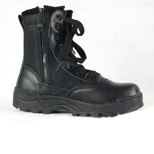 这款战术军靴怎么搭配衣服和裤子
