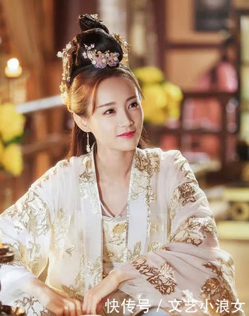 赵丽颖的专业的演技也得到了大家的认可,后又主演楚乔传,女儿国开始