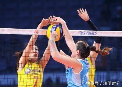 屡次落选的她终于留下了中国女排奥运14人名单,她终于能耀眼