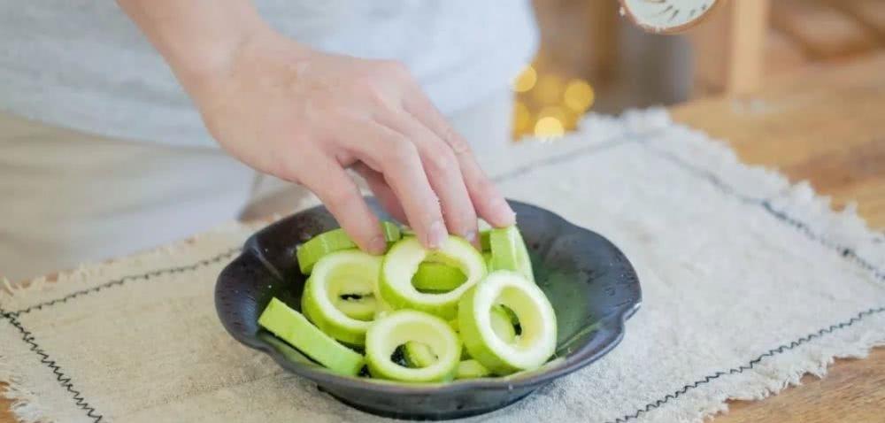 这夏季蔬菜的美食,想做得简单又常见就得熙龙湾美味图片