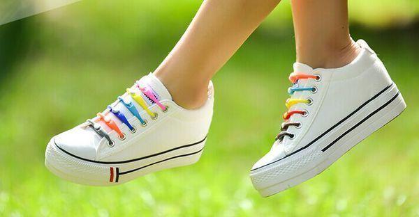 白色帆布鞋配什么颜色鞋带好看?