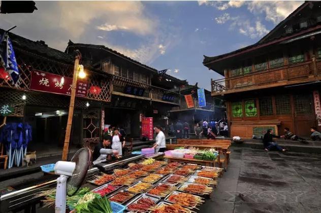 中国十个古色古香的古镇 来了就舍