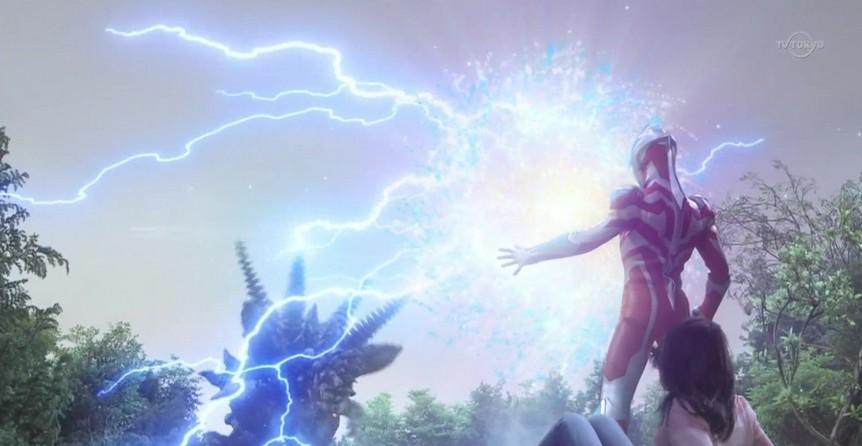 礼堂光用光之国的神秘道具——银河火花变身成的神秘英雄,也是本作的