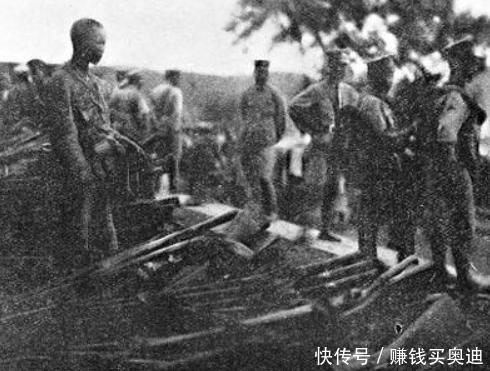 他是第一位在前线牺牲的政治局委员,如若未死可能位列10大元帅