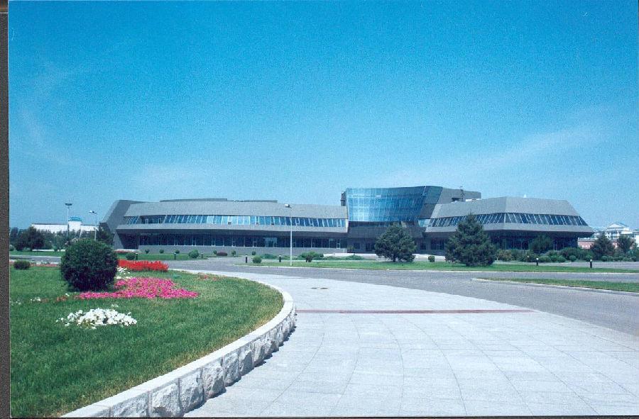 东北大学(秦皇岛)奥运体育馆一角研究生院在控制理论与控制工程,检测