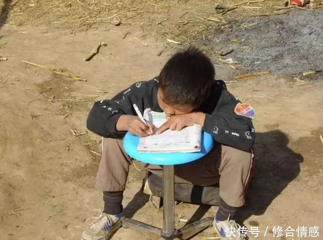 在丰县,这个把孙子一手带大的奶奶,我为你点赞!