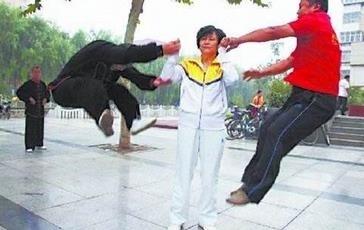 【转】北京时间      骗财骗色还驱妖降魔 假大师都有哪些真套路? - 妙康居士 - 妙康居士~晴樵雪读的博客