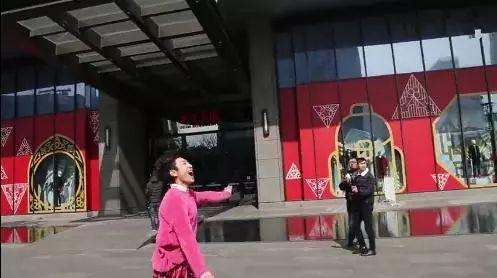 张一山演迷妹被导演组高度评价真的神了闺蜜杨紫功不可没!