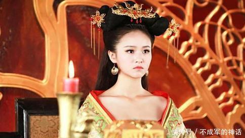 """""""辗转""""于诸王之间,侍奉了两朝皇帝的美艳皇后传奇人生"""