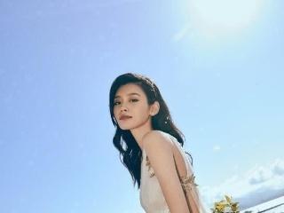 """奚梦瑶终于看出""""超模范""""这身裙子显得十分的优雅衿贵简直美"""