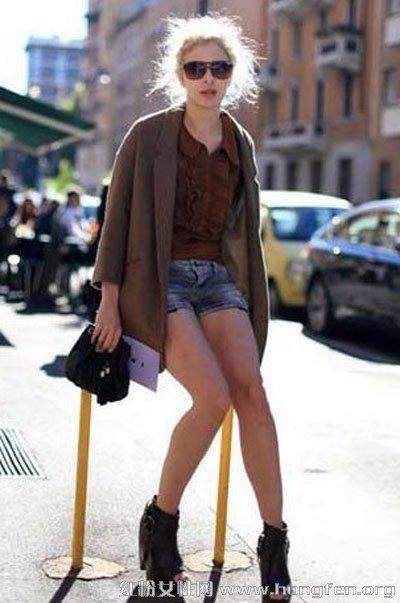 欧美时尚达人示范街头潮流服饰搭配图片