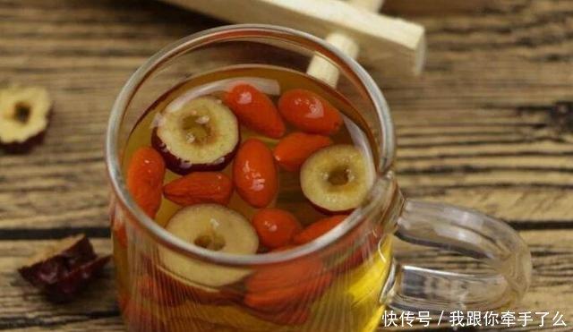 枸杞和红枣一起泡水有5大好处,什么时候喝最好