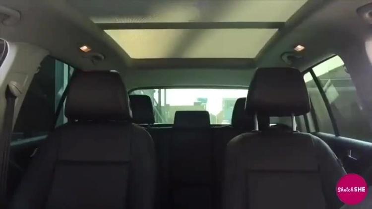 一本正经的搞事,这是我见过最棒的车内变妆二重唱!