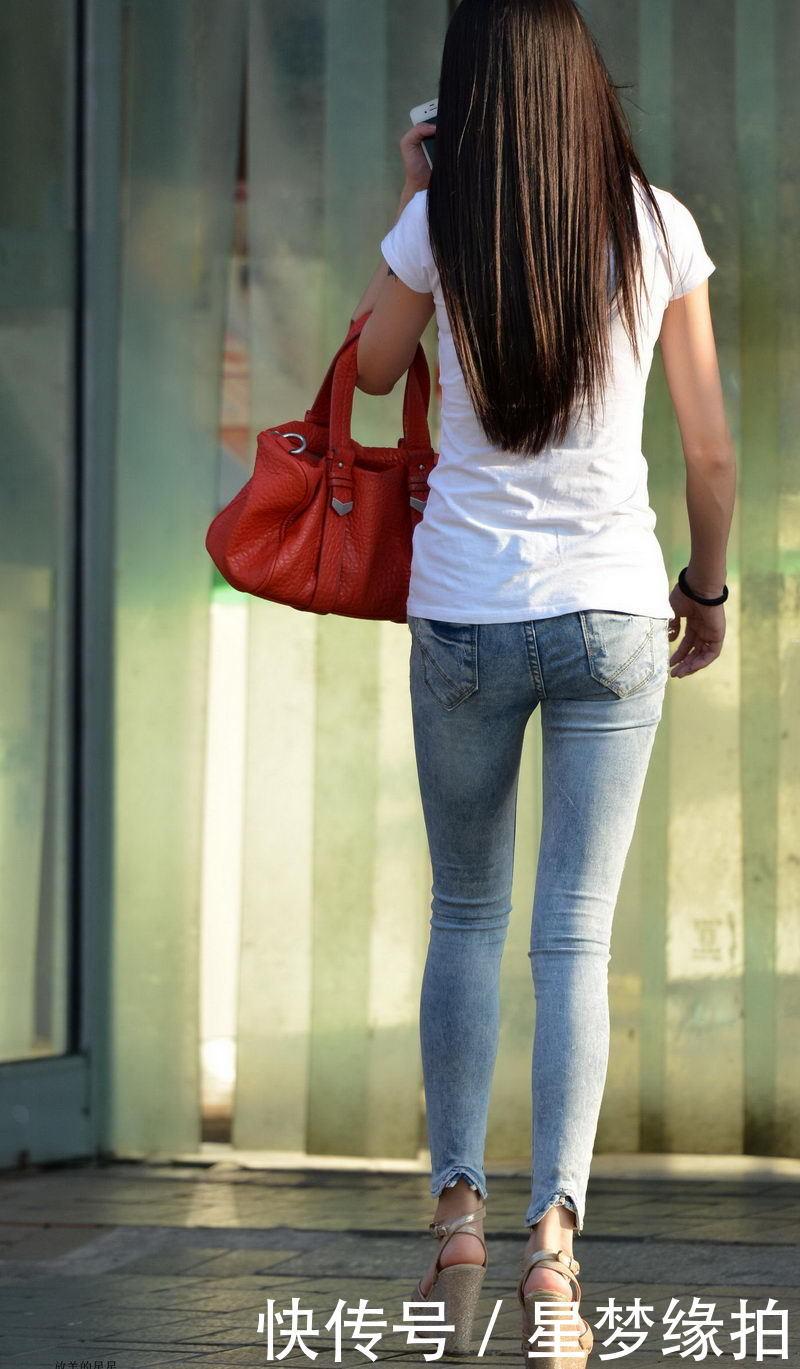 街拍牛仔裤美女私立插班上海小学图片