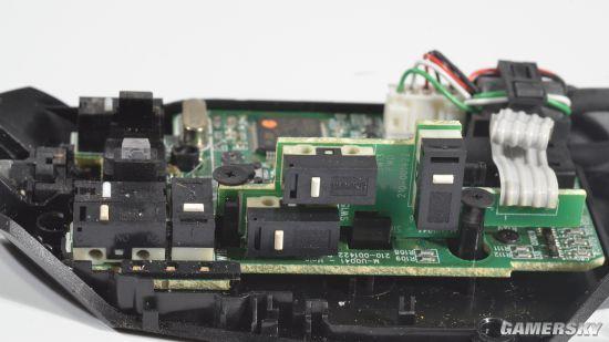 将按键电路板与鼠标主板融合于一体.