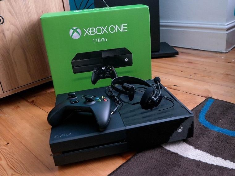 微软Xbox One主机