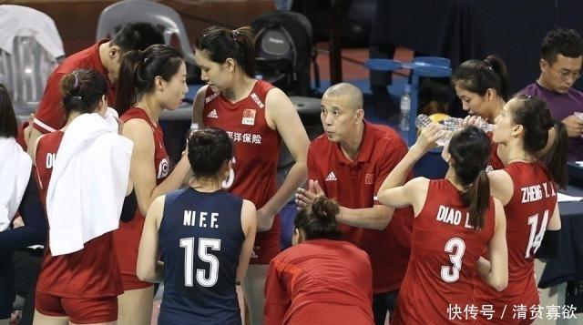 拒绝崩盘,中国女排赢了,年轻球员都哭了!没有朱婷一样打出气势