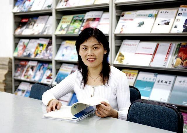 青岛一中历史教师李芳
