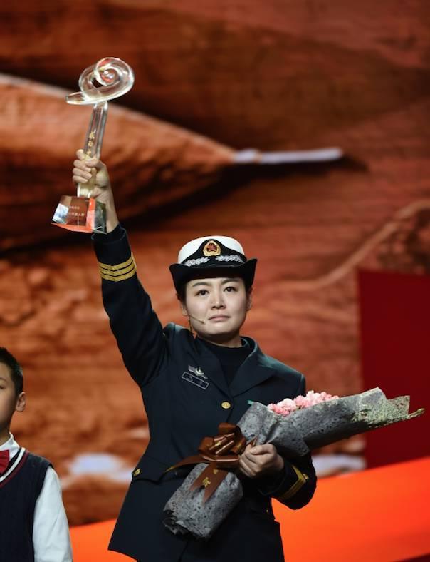 2016《感动中国》十大人物揭晓|你的作文素材有着落了