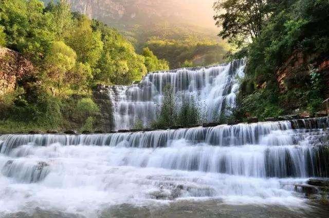 是国家重点风景名胜区,国家aaaaa级旅游区.