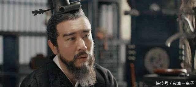 他是曹魏阵营默默无闻的谋士,设下一计,帮助曹操赢下官渡之战