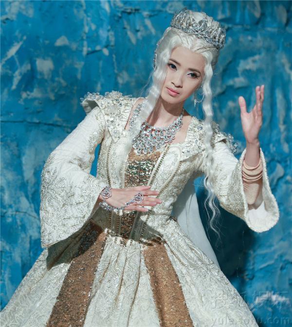 """由龚蓓主演的电视剧《幻城》将在本周收官,在神话饰演""""冰后""""剧中的最早期的一角电视剧有哪些图片"""