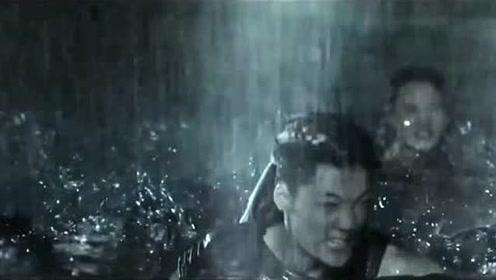 《深海巨妖》:王欣如被推下海,姜超召唤人鲨索命!