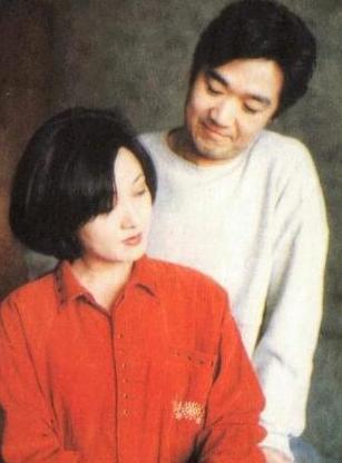 张国立妻子邓婕昔日美照曝光,一辈子不生孩子后悔落泪