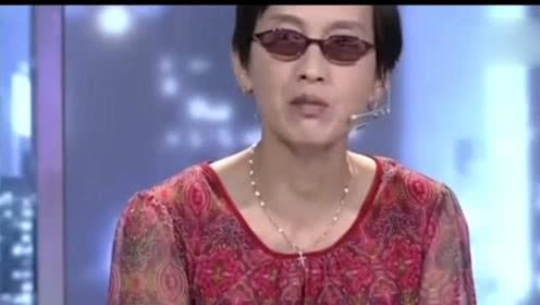 母亲上台控诉儿子不孝顺,不料儿子说出实情缘由,母亲遭评委怒骂!