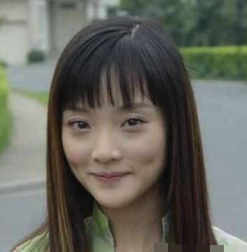 《漓江春》的拍摄,26岁时第一次饰演女主角,凭借《飞来的仙鹤》获文
